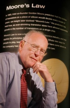 Gordon Moore w 2005 roku© Intel