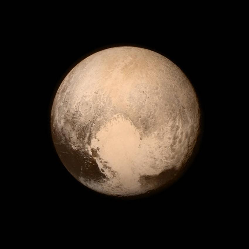 Szef NASA uważa, że Pluton jest pełnoprawną planetą i rozpala dyskusję o jego statusie